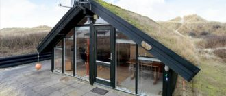 Маленький дом с дёрновой крышей: план, интерьеры