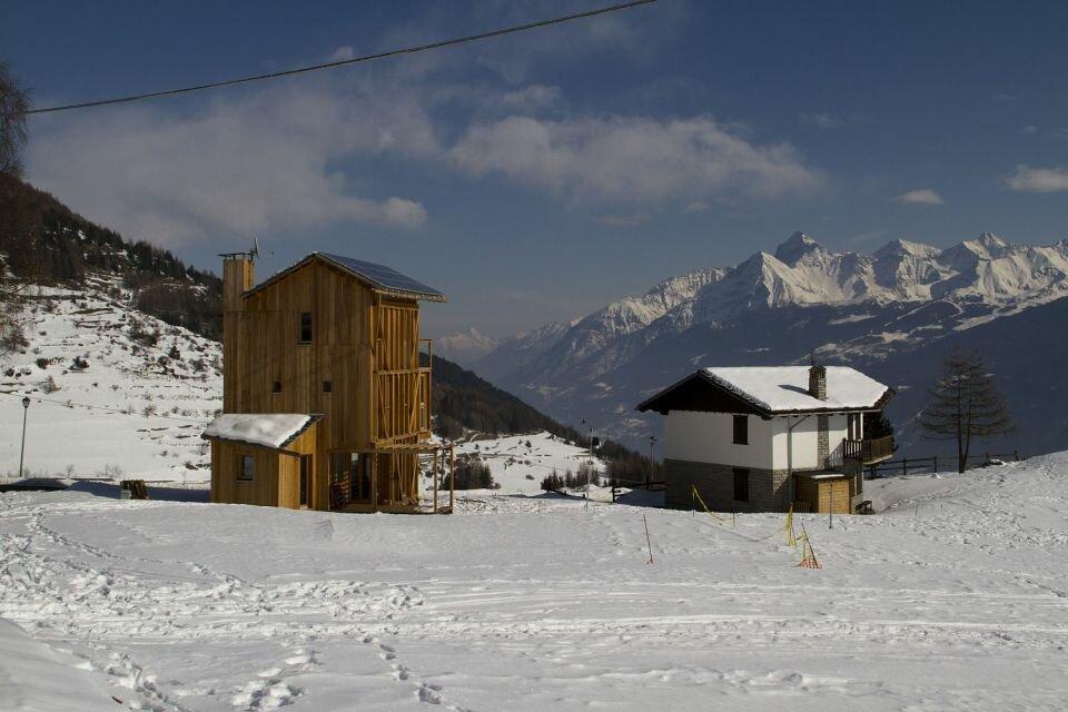 """""""Солнечный дом"""" в Италии: использование альтернативных источников энергии, а также планы, разрезы"""