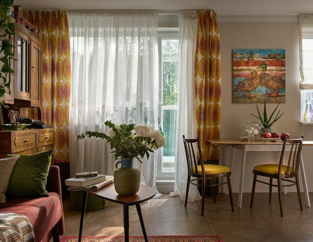 Подарок для мамы - интерьер квартиры в Первоуральске: гармоничное ретро