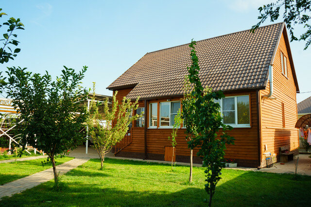 Дом в Астрахани для семьи с 5 детьми: бюджетная отделка в камышитовом доме
