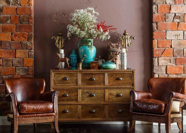 Дом коллекционера сокровищ и древностей из Краснодара: майолика, яркая плитка, орнаменты, вещи ручной работы